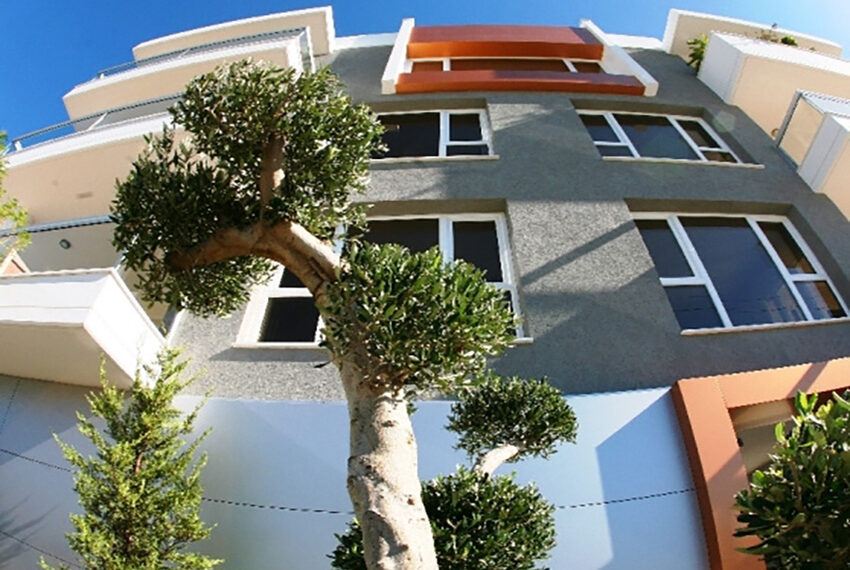 2 bedroom flat for sale with sea views in Limassol_2