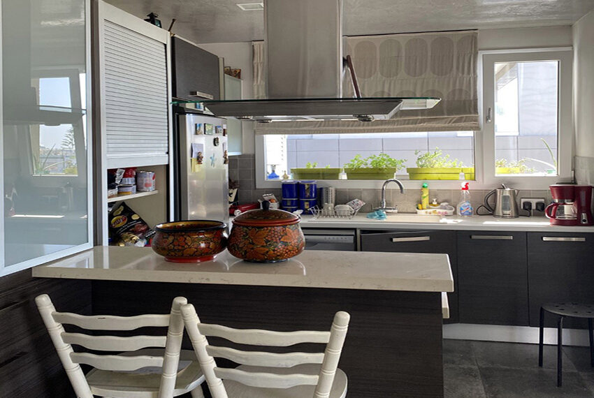 2 bedroom flat for sale with sea views in Limassol_8