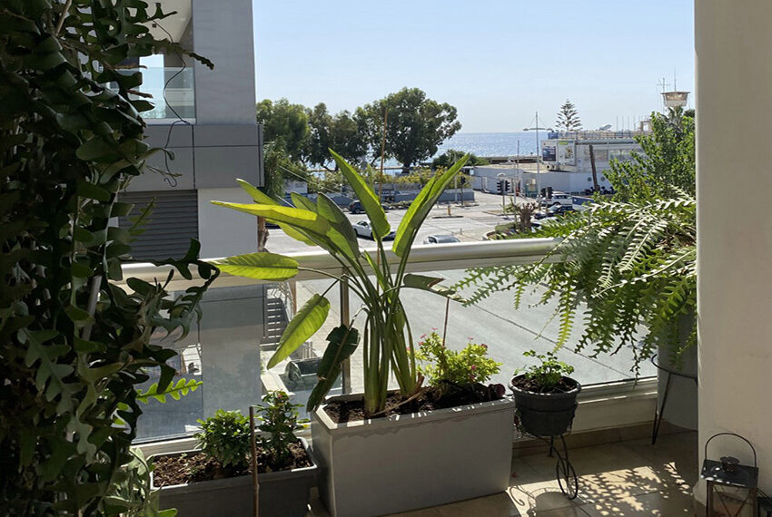 2 bedroom flat for sale with sea views in Limassol_12