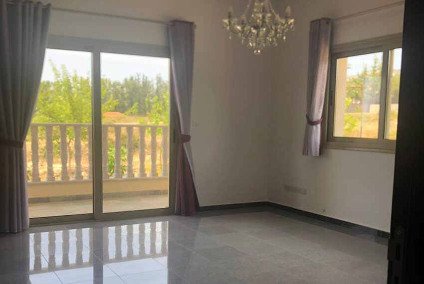 4 bedroom villa for rent long term in Tala Cyprus_10
