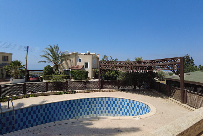 6 bed villa for rent with central heating in Konia Paphos