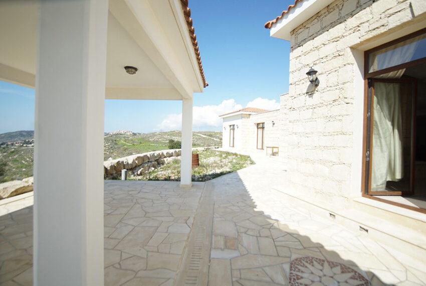 4 bedroom bungalow for rent in Tsada Paphos_5