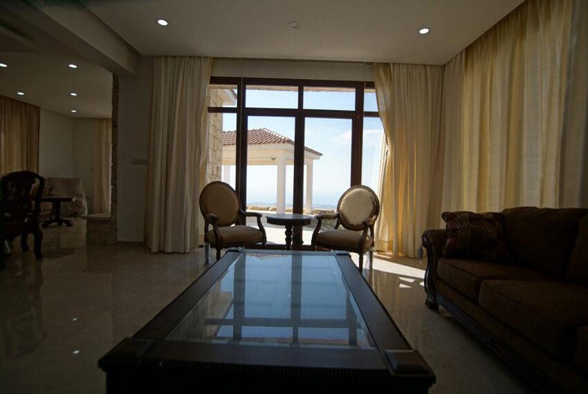 4 bedroom bungalow for rent in Tsada Paphos_7