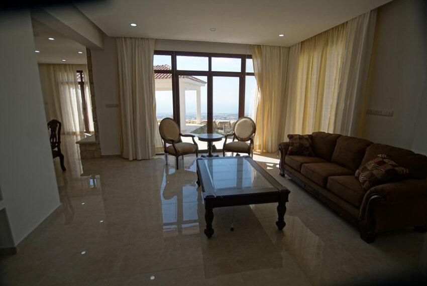 4 bedroom bungalow for rent in Tsada Paphos_9