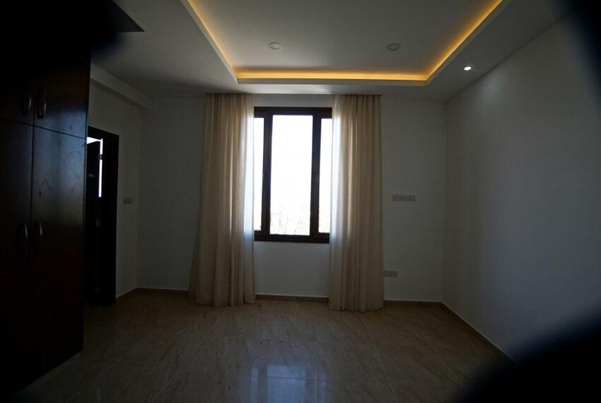 4 bedroom bungalow for rent in Tsada Paphos_17