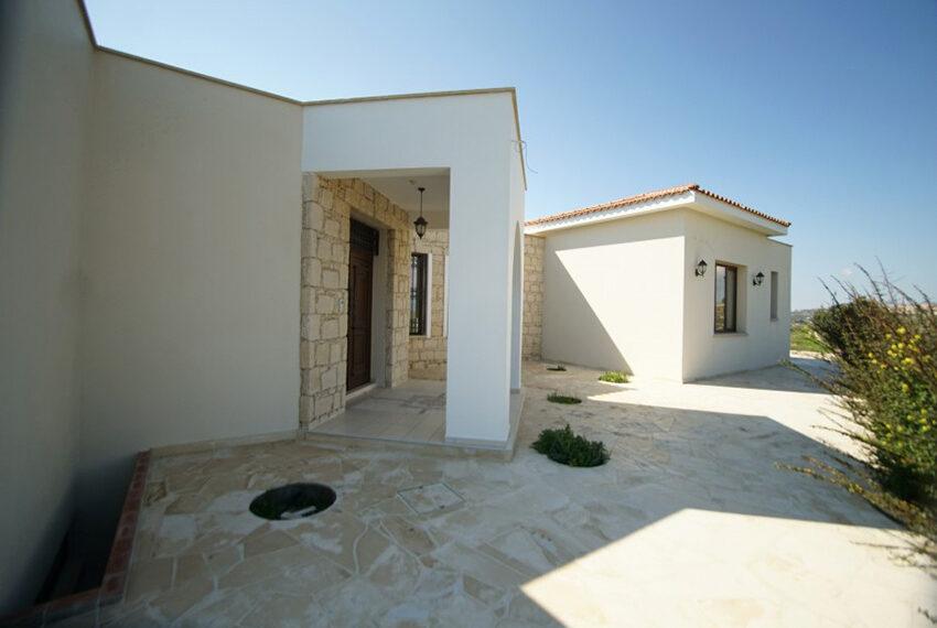 4 bedroom bungalow for rent in Tsada Paphos_22