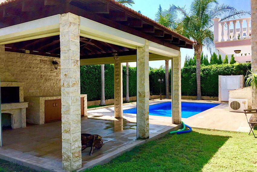 For sale 3 bedroom vila with privet pool Germasogeia tourist area_1