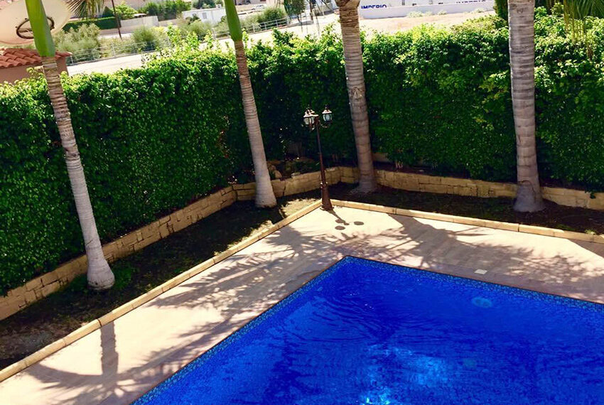 For sale 3 bedroom vila with privet pool Germasogeia tourist area_7