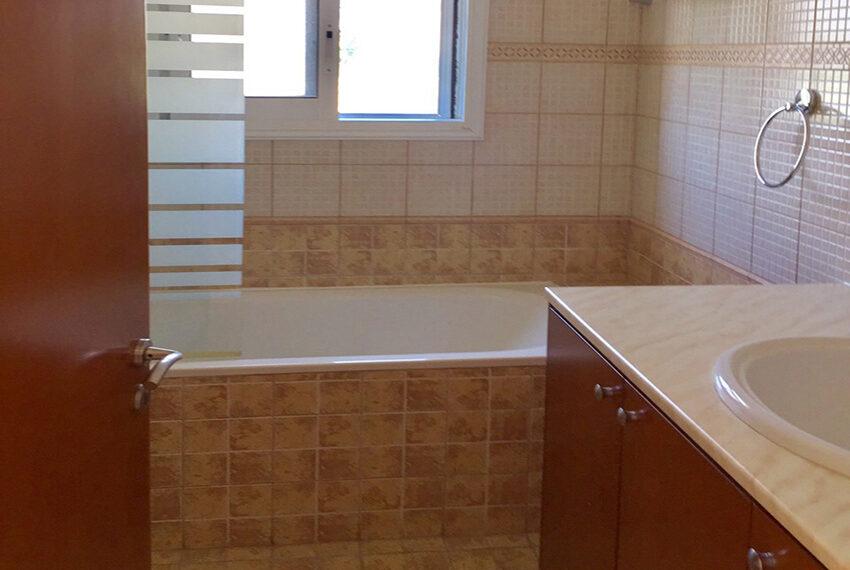 For sale 3 bedroom vila with privet pool Germasogeia tourist area_10