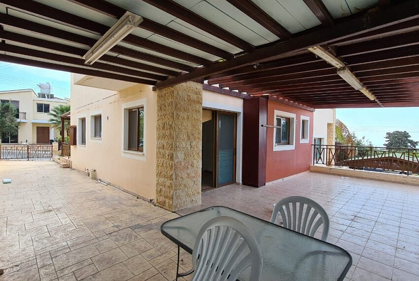 6 bed villa for rent with central heating in Konia Paphos_12