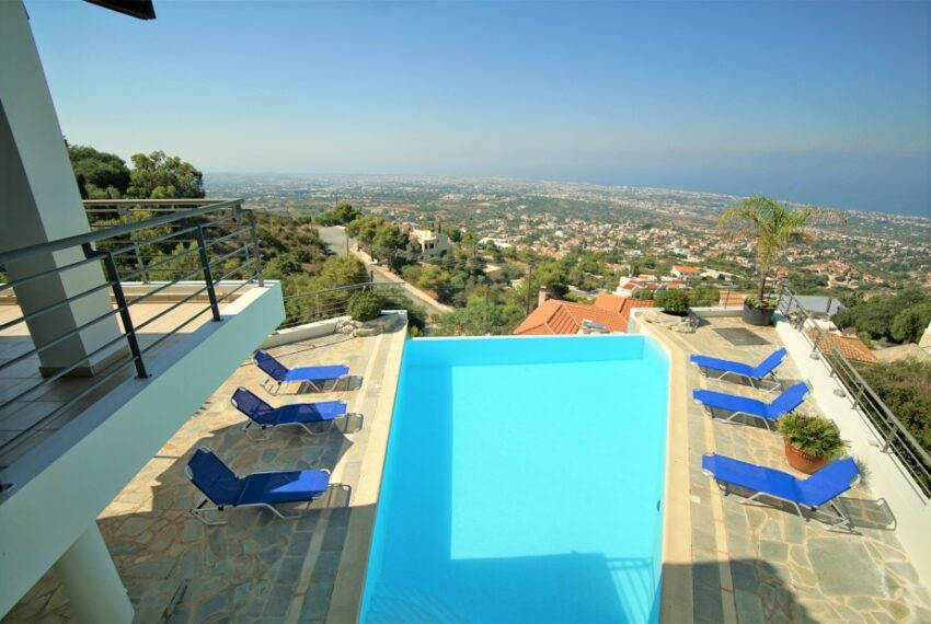 Villa for rent with magnificent sea views in Tala Cyprus_3