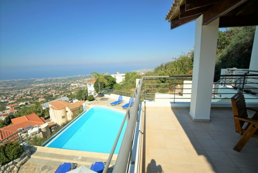 Villa for rent with magnificent sea views in Tala Cyprus_7