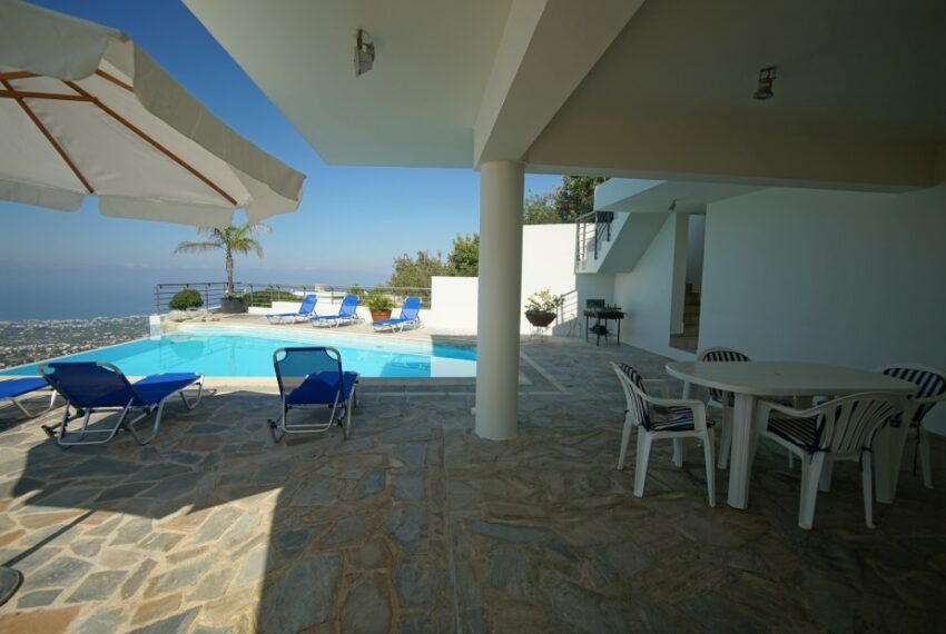Villa for rent with magnificent sea views in Tala Cyprus_37