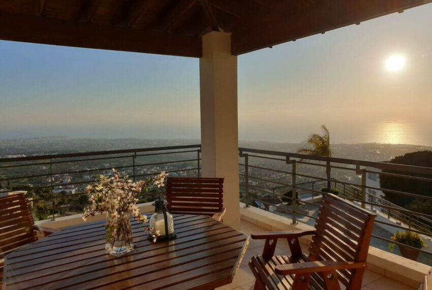 Villa for rent with magnificent sea views in Tala Cyprus_39