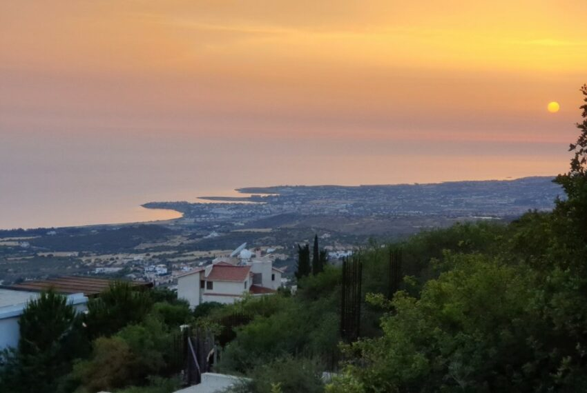 Villa for rent with magnificent sea views in Tala Cyprus_41