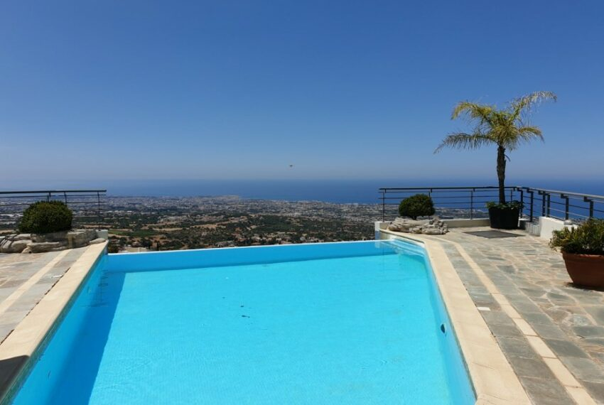 Villa for rent with magnificent sea views in Tala Cyprus_43