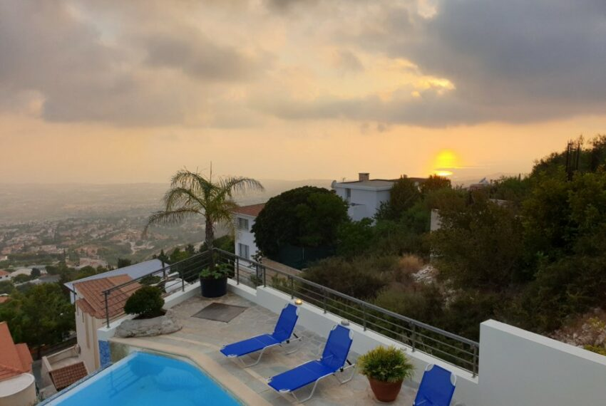 Villa for rent with magnificent sea views in Tala Cyprus_47