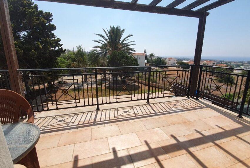 Detached 3 bedroom villa for rent long term in Sea Caves _3