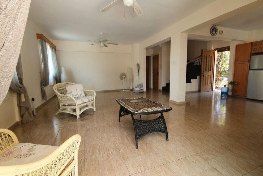 Detached 3 bedroom villa for rent long term in Sea Caves _4