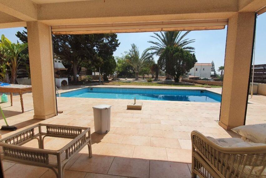 Detached 3 bedroom villa for rent long term in Sea Caves _7