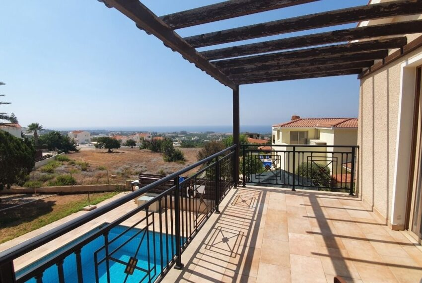 Detached 3 bedroom villa for rent long term in Sea Caves _13