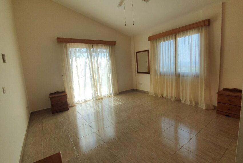 Detached 3 bedroom villa for rent long term in Sea Caves _17