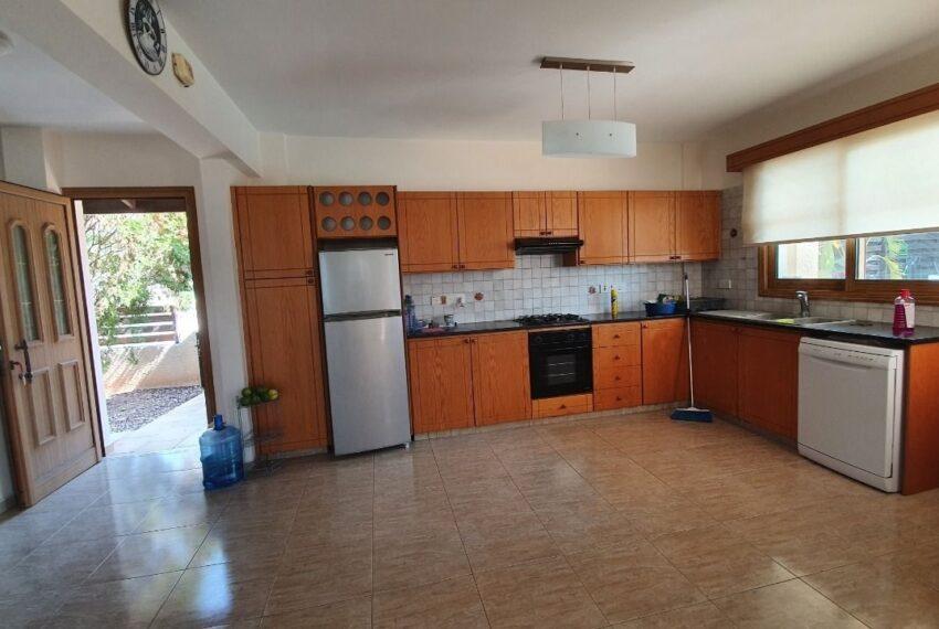 Detached 3 bedroom villa for rent long term in Sea Caves _18