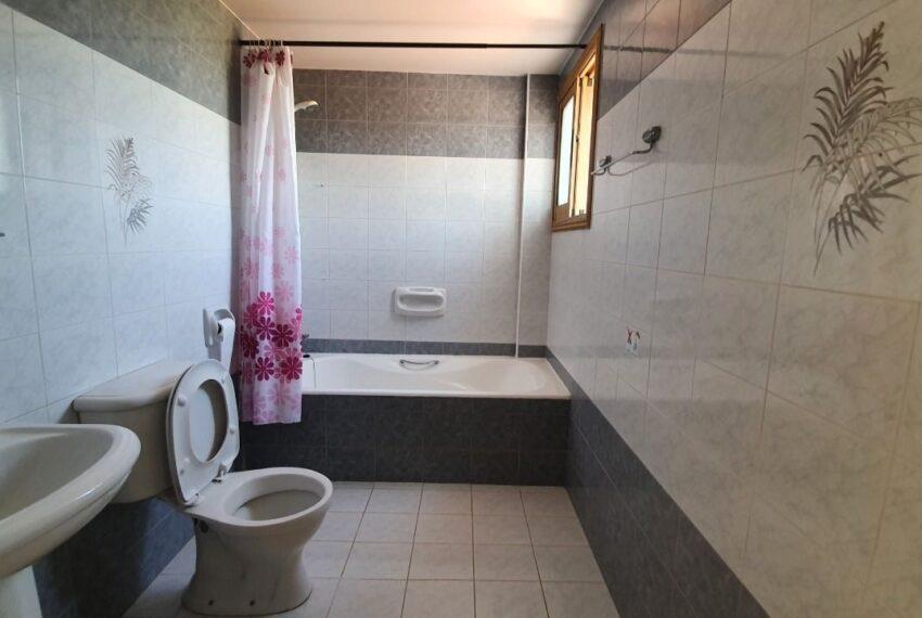 Detached 3 bedroom villa for rent long term in Sea Caves _20