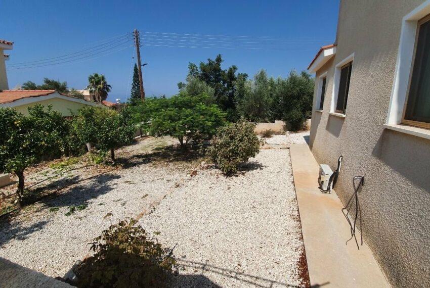 Detached 3 bedroom villa for rent long term in Sea Caves _24