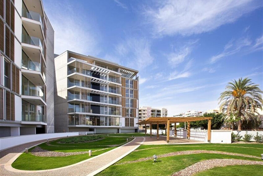 Luxury 3 bedroom apartment for saale in Neapolis Limassol_11