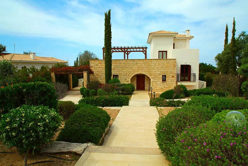 Luxury 4 bed villa for sale Aphrodite hills golf resort Cyprus_4