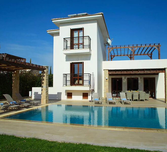 Luxury 4 bedroom villa for sale Aphrodite hills golf resort Cyprus