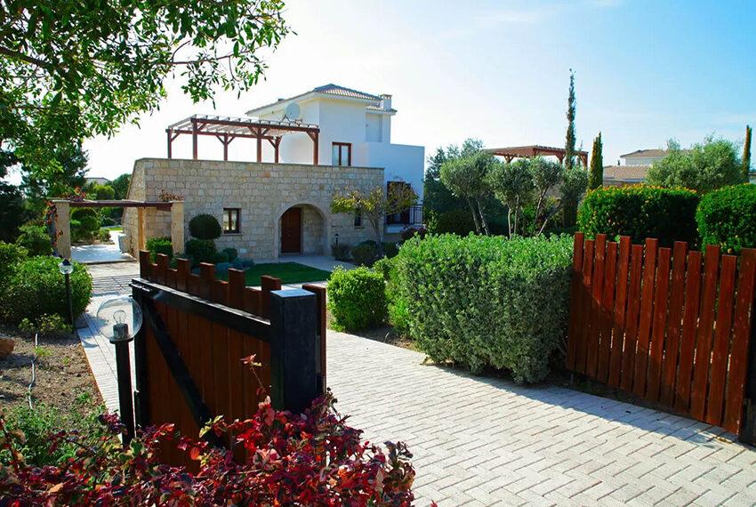 Luxury 4 bedroom villa for sale Aphrodite hills golf resort Cyprus_10