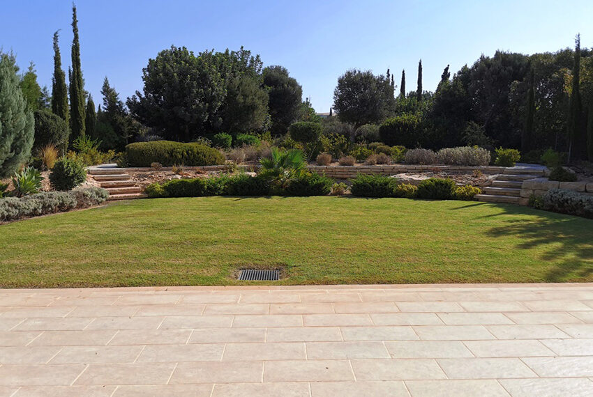 Luxury 4 bedroom villa for sale Aphrodite hills resort Cyprus_1