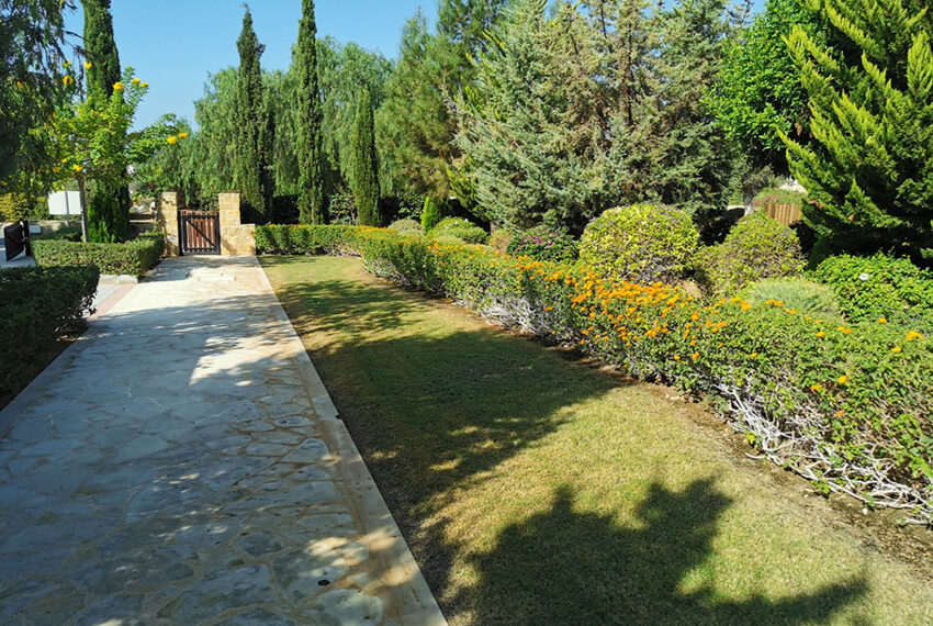 Luxury 4 bedroom villa for sale Aphrodite hills resort Cyprus_10