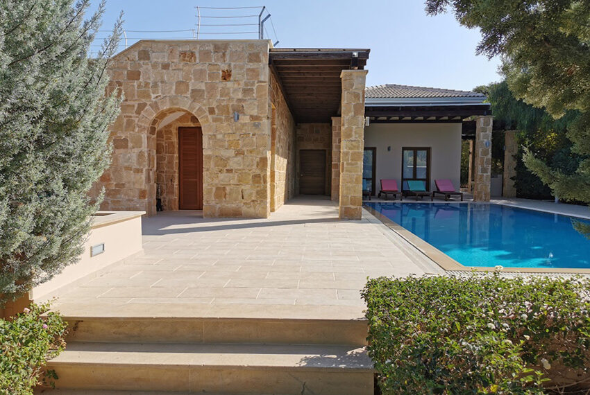 Luxury 4 bedroom villa for sale Aphrodite hills resort Cyprus_18