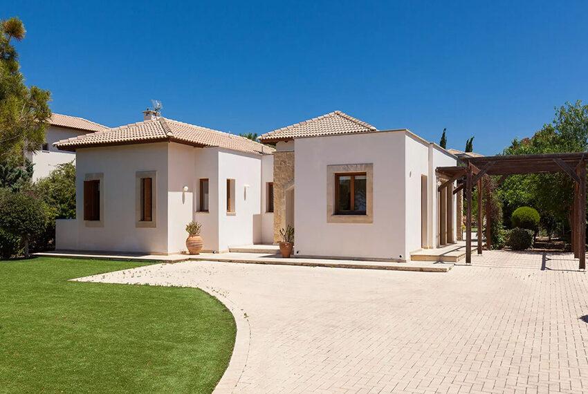 ury villa for sale large plot Aphrodite Hills Golf Resort_2