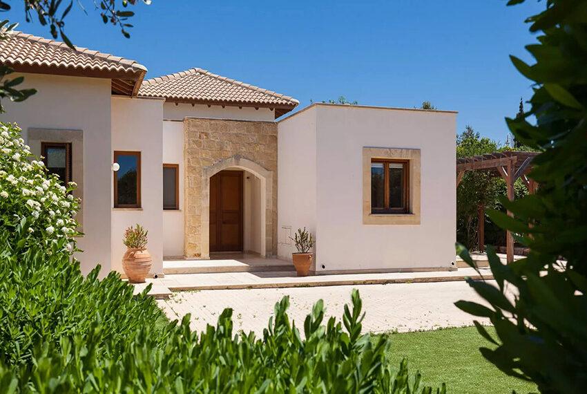 ury villa for sale large plot Aphrodite Hills Golf Resort_5