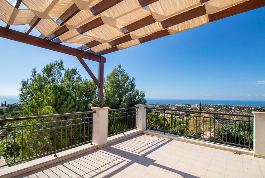 Luxury villa for sale with fantastic views Aphrodite hills Cyprus_2