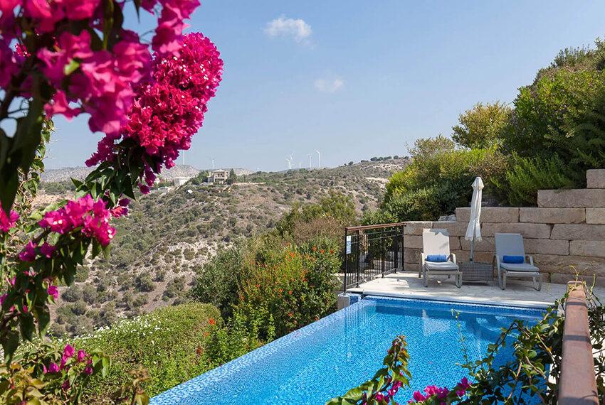 Cosy villa for sale Aphrodite hills golf resort Cyprus_2