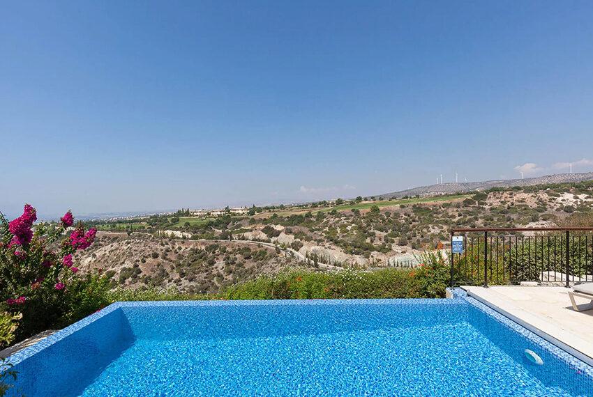 Cosy villa for sale Aphrodite hills golf resort Cyprus_7