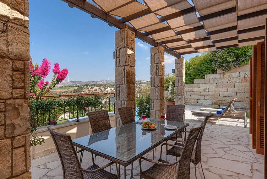 Cosy villa for sale Aphrodite hills golf resort Cyprus_8