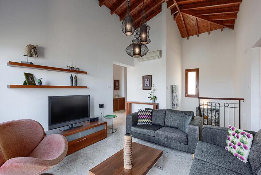 Cosy villa for sale Aphrodite hills golf resort Cyprus_15