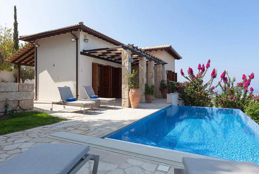 Cosy villa for sale Aphrodite hills golf resort Cyprus_17