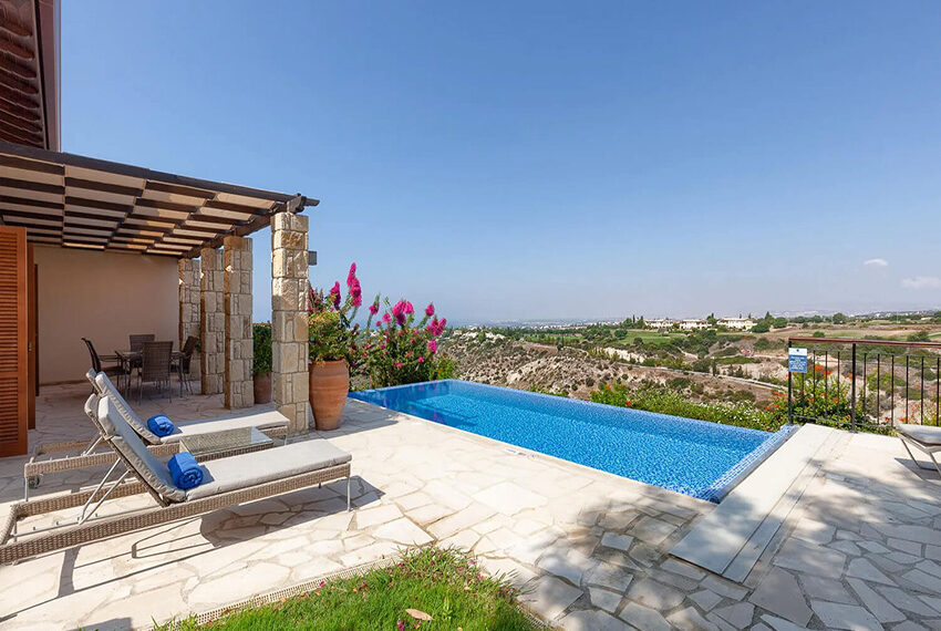 Cosy villa for sale Aphrodite hills golf resort Cyprus_20