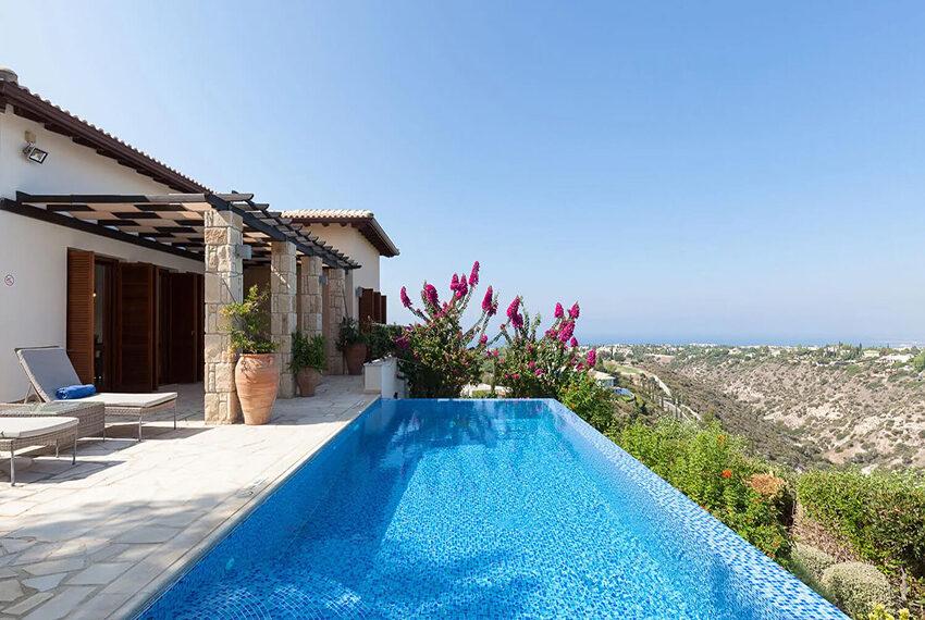 Cosy villa for sale Aphrodite hills golf resort Cyprus_21