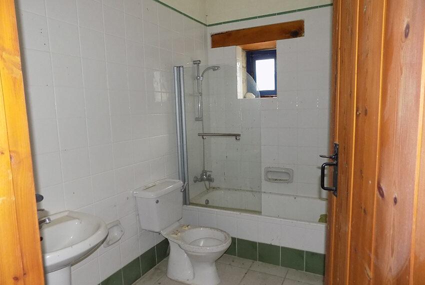 3 bedroom stone villa for sale in Arkudelia_8