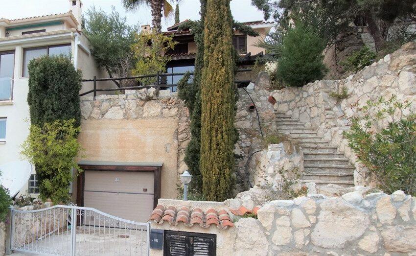 3 bedroom villa for rent long term Kamares village Paphos_1