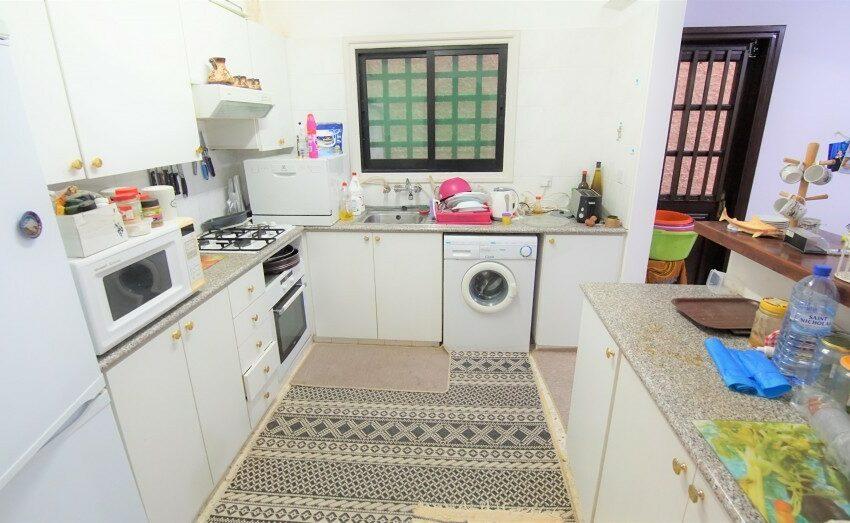 3 bedroom villa for rent long term Kamares village Paphos_3