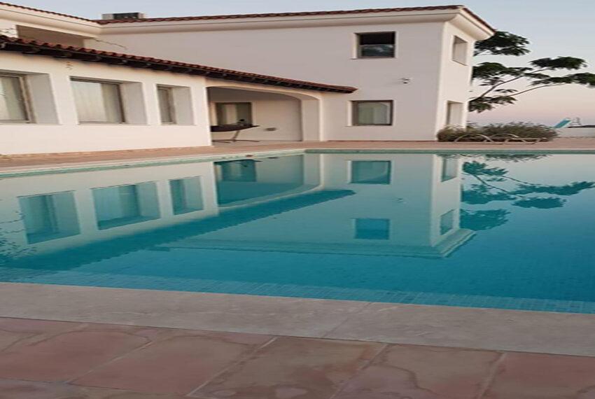 Spacious 6 bed villa for rent long term Mesogi Paphos_1